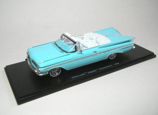 Chevrolet Impala converdeible (azul claro) 1959
